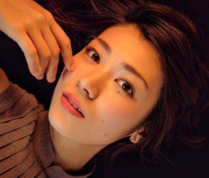 瀧内公美,綾野剛,ベッド,日本で一番,悪い奴ら,逸話,画像