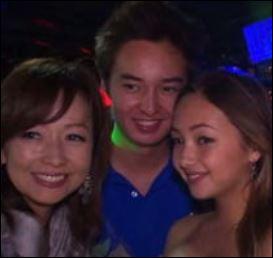 倉沢淳美と娘ケイナと息子の画像
