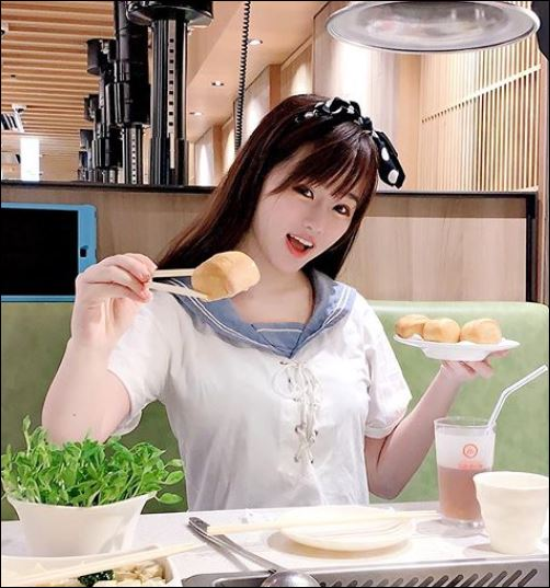 チャウチャウの本名は?中国人?かわいいカップ画像 昔の今を比較(整形?)