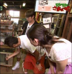 田中瞳アナの胸の隙間画像