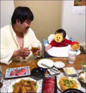 空気階段の鈴木もぐらと子供画像